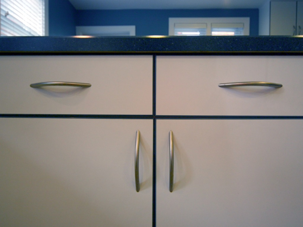 blue-and-white-cabinets